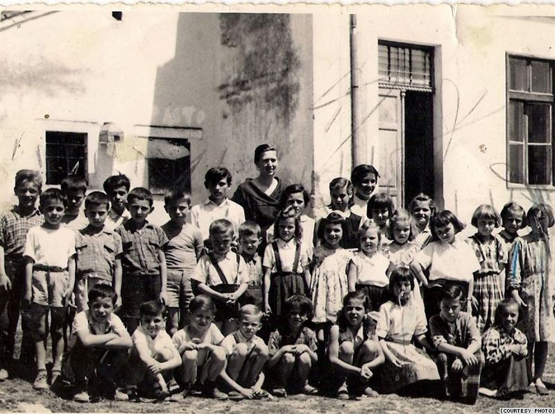 Pupils in front of a schoolhouse in the Istrian village of Šušnjevica in 1958, when many are said to have entered school with no Croatian language skills.