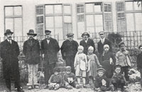 Students of the Italo-Romanian school from Šušnjevica accompanied by doctor Galli (far right), School Principal, Andrei Glavina (second from the left) and Prof. Venarucci (far left)